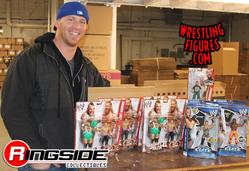 http://www.ringsidecollectibles.com/mm5/graphics/00000001/hawkins_haul.jpg