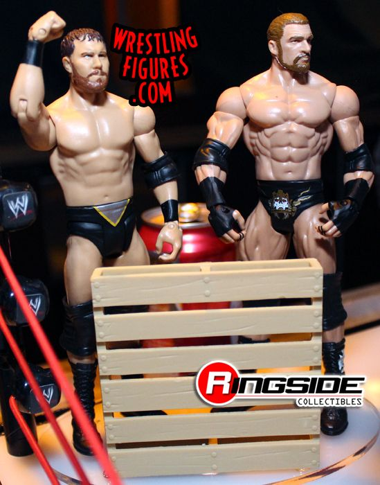 http://www.ringsidecollectibles.com/mm5/graphics/00000001/m2p26_curtis_axel_triple_h.jpg